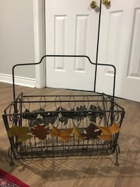 Beautiful magazine holder with leaf accents  Oakville, L6J 7S8