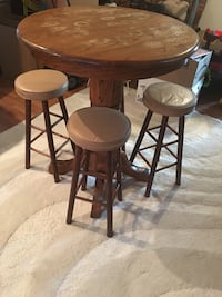 Bar table with 4 stools  Taneytown, 21787