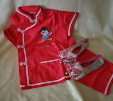 Little girls Chinese outfit with slippers. New, no tag, never worn