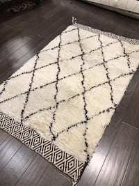 Brand new rug %60 wool & %40 cotton 5'x3' Mississauga, L5J
