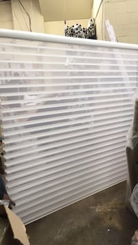 white and gray window blinds Montréal, H2R 2N6
