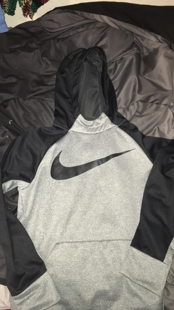 fb64ac1d6a2 Used gray and black Nike pullover hoodie for sale in Rockwall - letgo