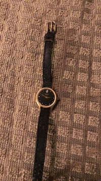Round gold with diamond analog watch with black leather strap Gap, 17527