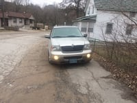Silver lincoln navigator 2004 good condition 270000km  trade for motorcycle or atv King, L7B