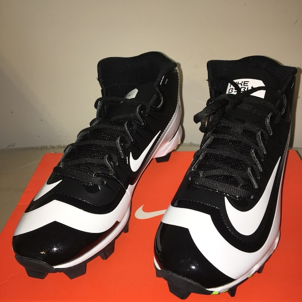 764de615971a1f Used black-and-white Nike basketball shoes for sale in Douglasville ...