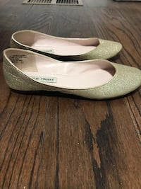 Pair of silver/gold sparkly flats Toronto, M1K 1V4