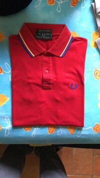 polo rossa di Fred Perry