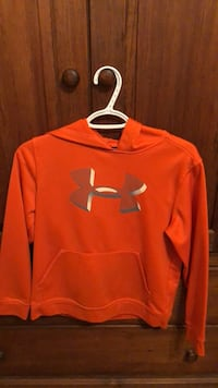 red Under Armour pullover hoodie New Tecumseth, L9R 0G5