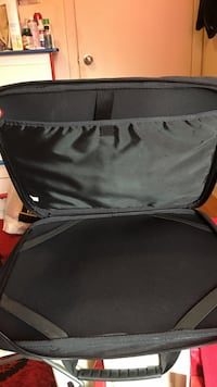 Large size   15 inches laptop case black colour with a handle Toronto, M1T 3P4