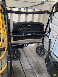 Evolution walker with seat pad