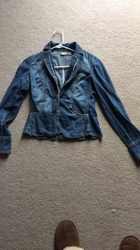 Blazer jean jacket sz sm Kitchener, N2R 1Z2