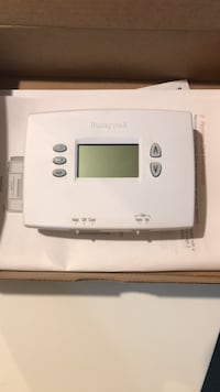 Honeywell 5x2 programmable thermostat- brand new Hamilton, L8M 2T2