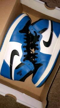 blue-and-white Nike Air Force 1 shoes Greensboro, 27406