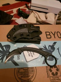 Bastinelli  pika  KARAMBIT  in great condition  comes  with ticlok