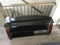 Tv stand Lake Country, V4V 1H8