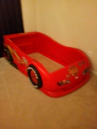 Kids car bed  Dumfries, 22025
