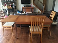 Dining table with six chairs EATONTOWN
