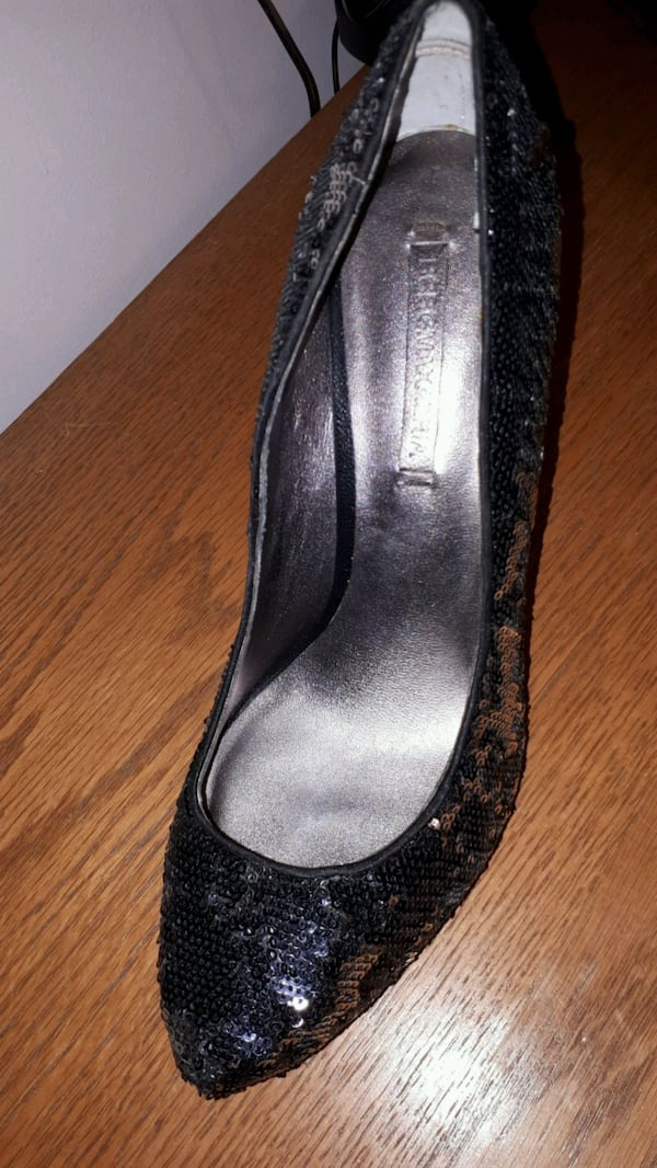 BCBG Black and Silver glitter heals size 40 2