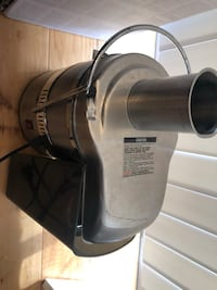 Juicer - gently used - with all attachments   Hyattsville, 20781