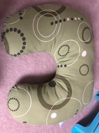 Breastfeeding pillow. Like new.  Mississauga, L4Z 0C3