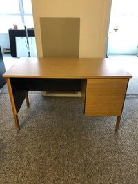 FREE desk, great condition! Pick Up Only At Bay & Gerrard