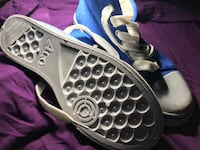 Blue-and-white low top running shoes Montréal, H1G 4X3
