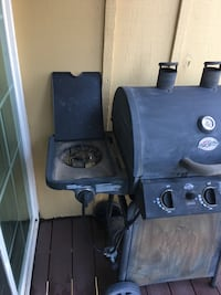 Good condition! Professional char-griller. This is a propain grill. All it needs is a propane tank Colorado Springs, 80917