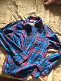Hollister plaid button up (men)