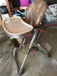 Beige and brown highchair Roseville, 95661