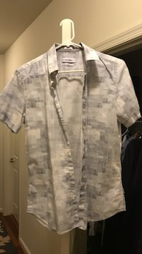 gray and white button-up t-shirt