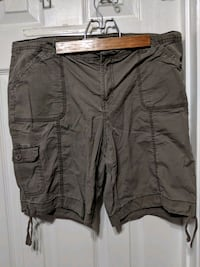 St John's Bay Shorts (Size 14 P) Woodbridge, 22192