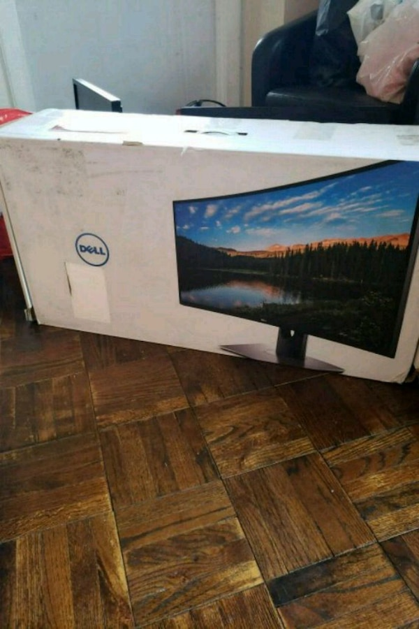 Dell 32 inch widescreen monitor brand new