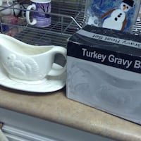 Turkey Gravy Bowl with the box brand new