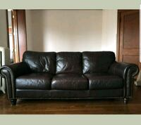Vintage remake brown leather couch  Berwyn, 60402