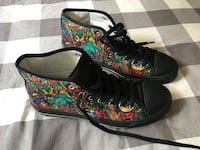 Men's size 9 high tops shoes
