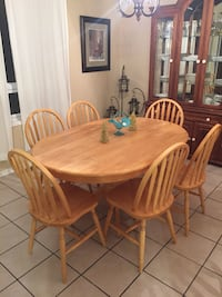 Price Drop! Solid oak dining table with 6 chairs Essa, L0M