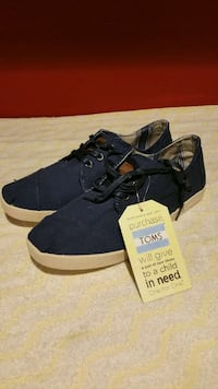 Toms shoes with laces