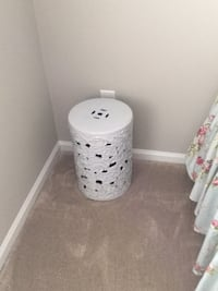 Ceramic accent table Odenton, 21113