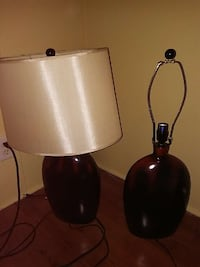 2 lamps & beige lampshade (one missing lampshade)