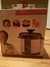 Brand new red Wolfgang Puck cooker box Clifton, 07011
