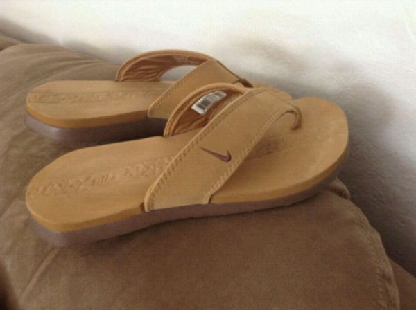 6bb3db69168886 Used NIKE sandals. Size 6 7 for sale in Oakland - letgo