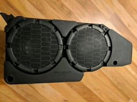 Shaker 1000 subwoofer out of a mustang excellent condition dnhþó