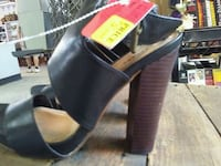black and brown leather open-toe sandals Chiefland, 32626