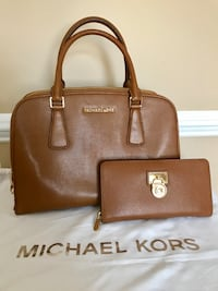 d03bbf8e047 Used Michael kors tote with matching wallet (brown) for sale in ...