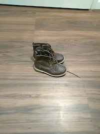 Tomy Hilfiger boots size 13 toddlers Livermore, 94550