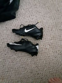 Nike football cleats size is 6.5
