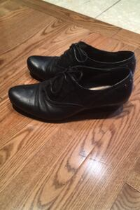 Black leather shoes Toronto, M9P 3T8