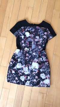 Size 2 spring or fall dress  Toronto, M6G 2Y5