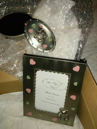 Brand new baby picture frame and ring box Hamilton, L8J 2V5
