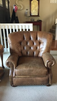 Leather cigar chair with stud lining  Surrey, V4A 5M7